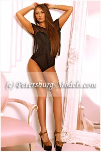 St-Petersburg Escort ladies Caroline